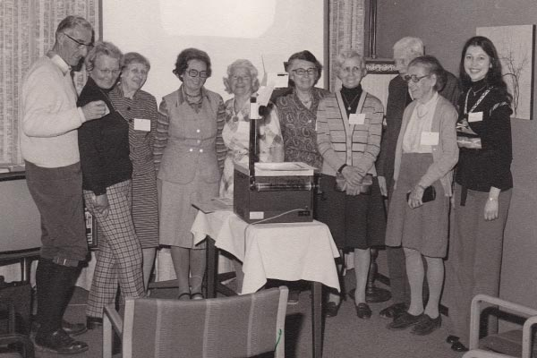 PALLAS-Seminare - Gisela Pallas mit Seminargruppe in Salzburg
