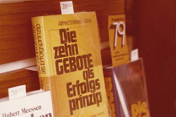 Die zehn Gebote als Erfolgsprinzip - Buch von Alfred R. Stielau-Pallas